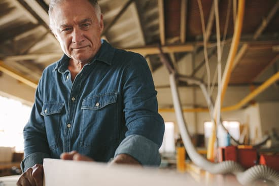 How Long Does Polyurethane Take to Dry on Wood Furniture?