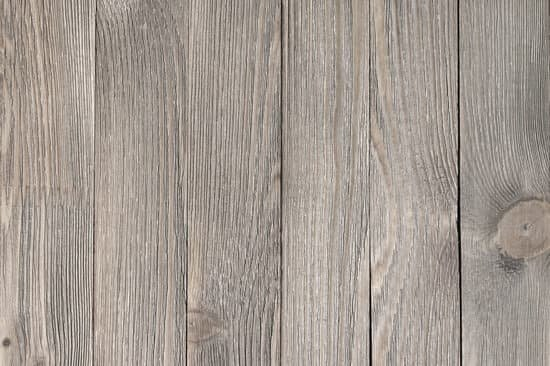 How to Remove Latex Paint From Wood Floor? 1