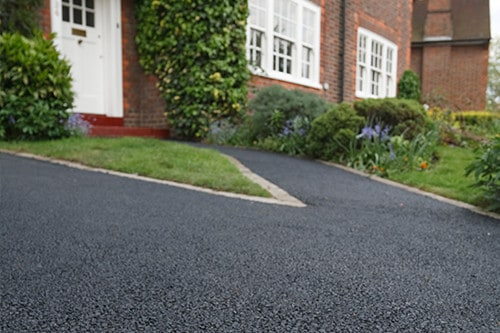 Can You Seal A Tar And Chip Driveway?